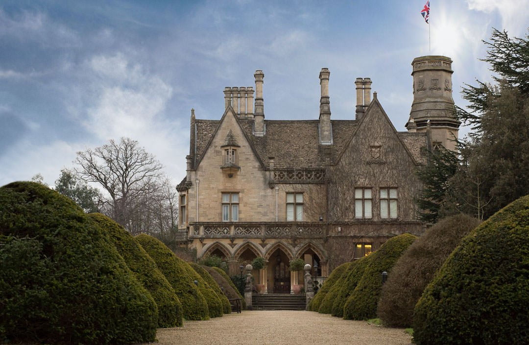 The Manor by the Lake, wedding venue near Cheltenham in Gloucestershire